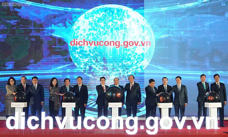 Thủ tướng Nguyễn Xuân Phúc dự khai trương Cổng dịch vụ công Quốc gia - Ảnh 1.