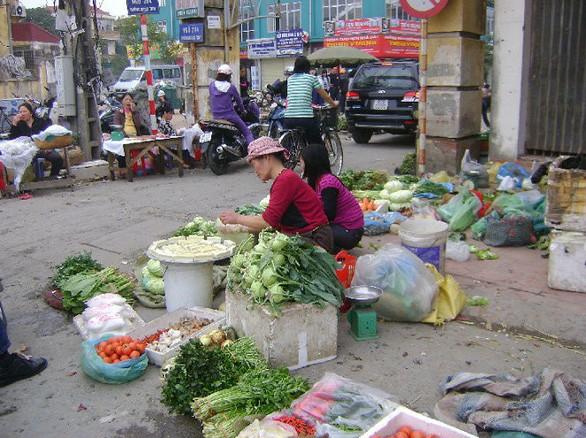 TP.HCM chỉ đạo khẩn: Chấm dứt hoạt động chợ tạm Cô Giang - Ảnh 1.