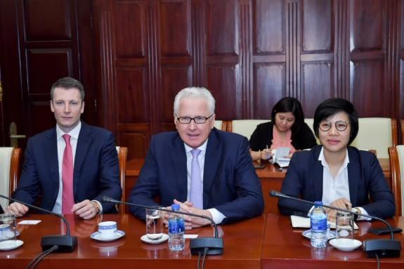 Tập đoàn Clermont - nhà đầu tư ngoại của Y khoa Hoàn Mỹ muốn tham gia tái cơ cấu ngân hàng Việt - Ảnh 2.
