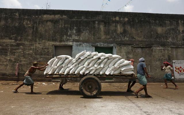 Doanh nghiệp đường Ấn Độ lao đao vì nỗi lo bán phá giá  - Ảnh 1.