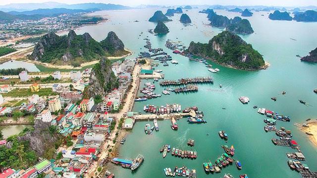 Dành khoảng 4.000-6.000 ha đất xây khu chức năng đô thị, 5.000-8.000 ha đất dịch vụ du lịch tại Vân Đồn đến năm 2040 - Ảnh 1.