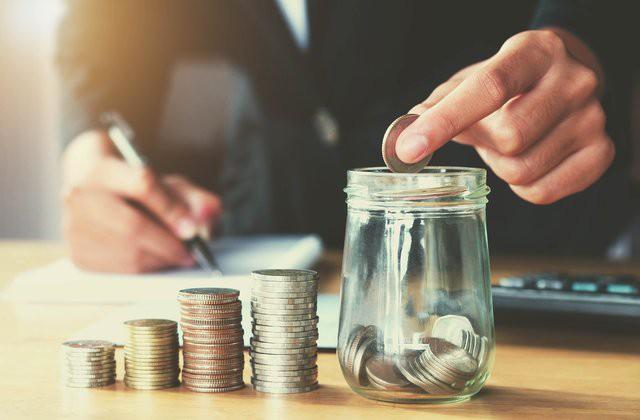 So sánh lãi suất ngân hàng tháng 4/2018: Lãi suất tiết kiệm ngân hàng nào cao nhất? - Ảnh 1.