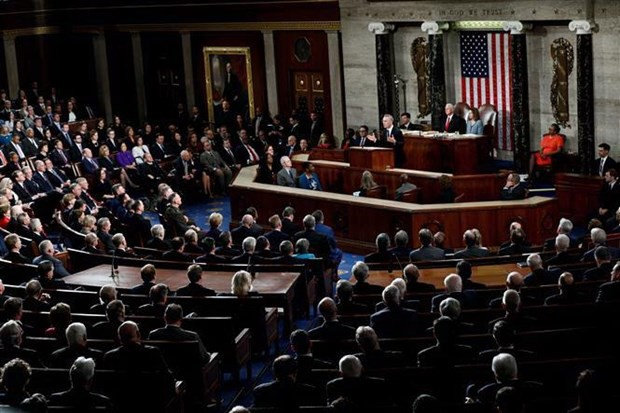 Mỹ: Phe Dân chủ tại quốc hội theo đuổi kế hoạch đầu tư 2.000 tỷ USD - Ảnh 1.