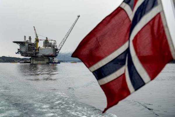 Giới trẻ Na Uy muốn chính phủ cai dầu khí - Ảnh 2.