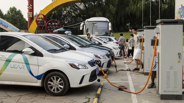 Trung Quốc trước nguy cơ vỡ bong bóng xe hơi chạy điện - Ảnh 1.