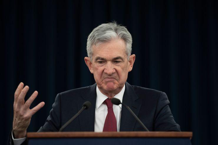 Nếu Fed tăng lãi suất trước cuộc bầu cử Tổng thống 2020, ông Trump có thể khiến Chủ tịch Powell từ chức - Ảnh 1.