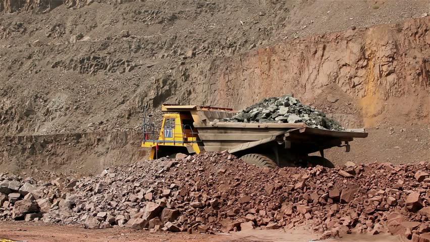 Giá thép xây dựng hôm nay (20/4): Giá quặng sắt giảm nhiều nhất từ tháng 11/2018 - Ảnh 1.