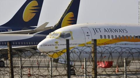 Vì sao hãng hàng không lớn nhất Ấn Độ sụp đổ? - Ảnh 1.