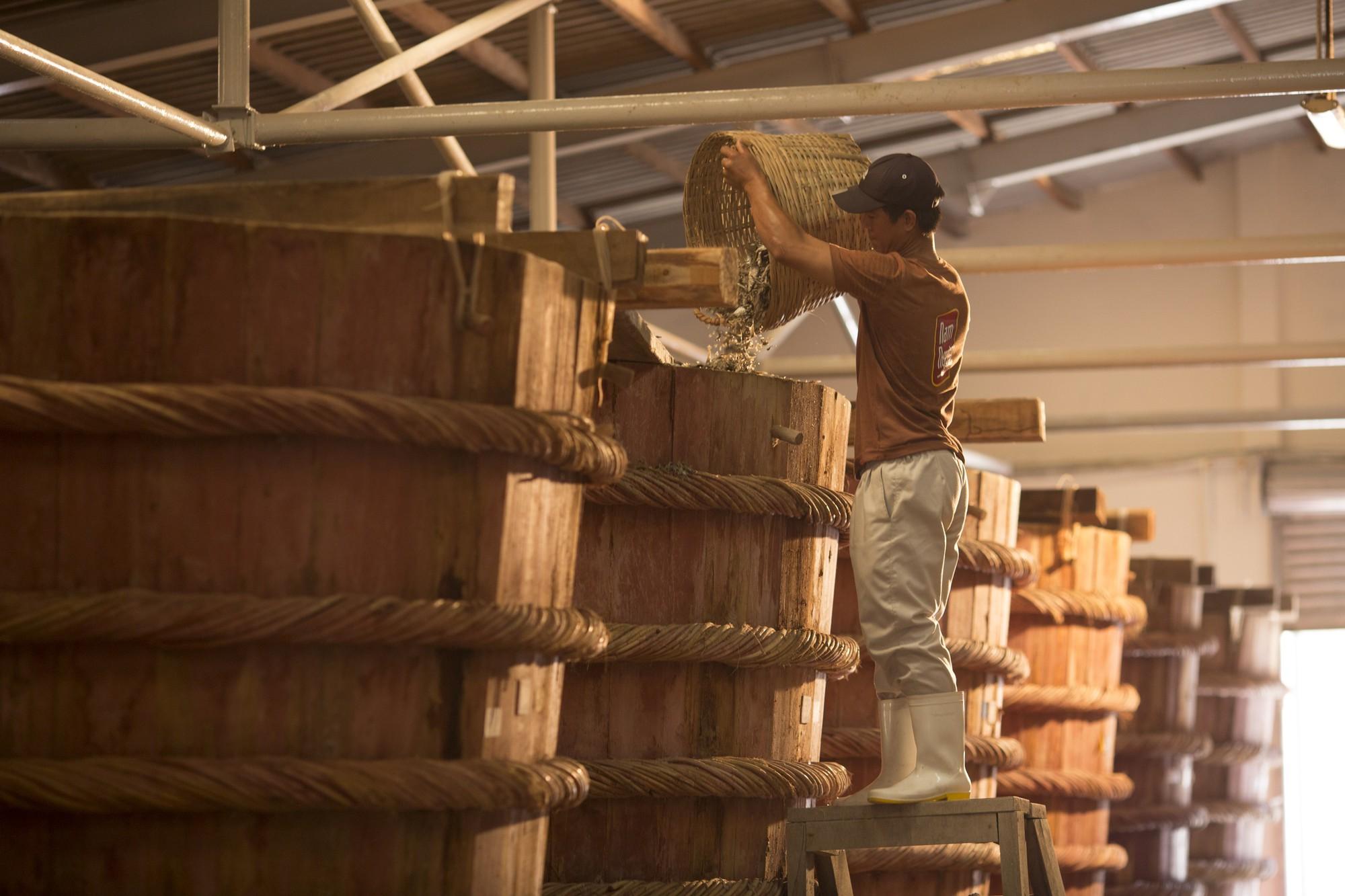 Masan bỏ túi 2/3 thị phần nước mắm, nước chấm Việt Nam - Ảnh 1.
