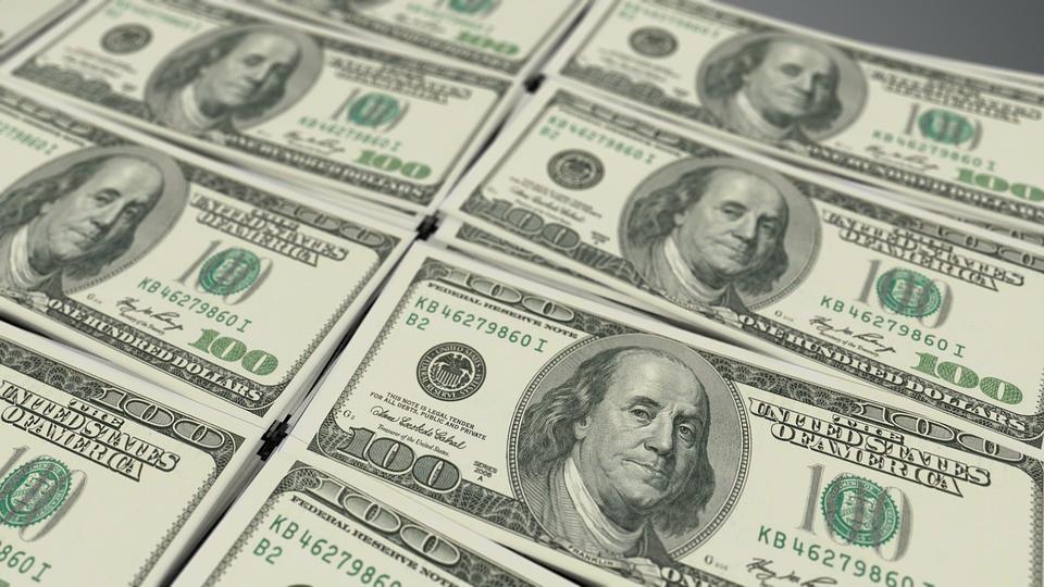 Các ngân hàng đồng loạt tăng giá USD - Ảnh 1.