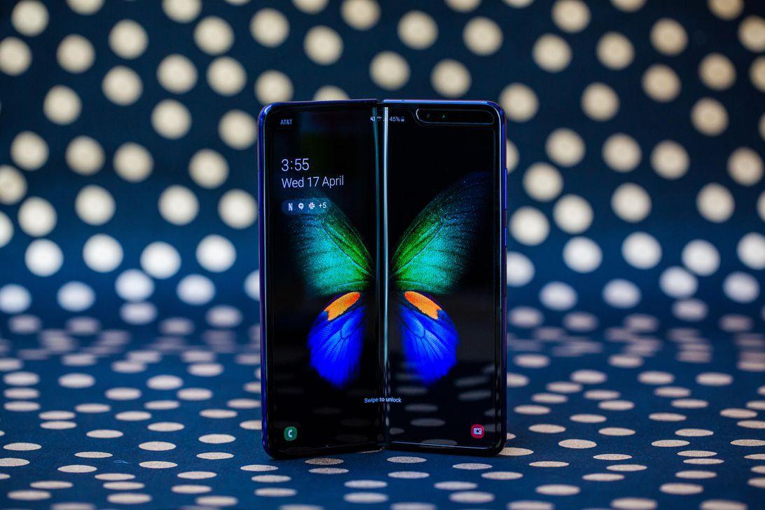 Để những lỗi vặt không trở thành thảm họa lớn, Samsung hoãn tung điện thoại gập độc đáo ra thị trường - Ảnh 1.
