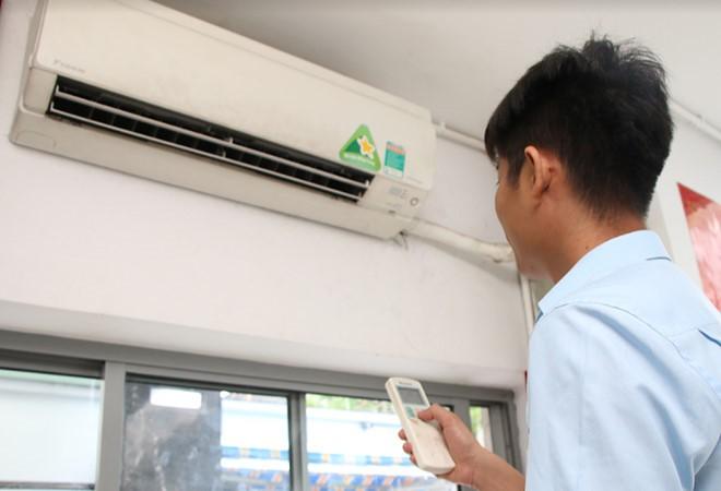 Kết quả hình ảnh cho Khách hàng 'sốc' vì hóa đơn tiền điện tăng vọt