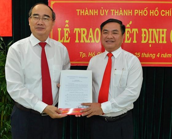 Giám đốc Sở Xây dựng Trần Trọng Tuấn làm Bí thư Quận ủy quận 3 - Ảnh 1.