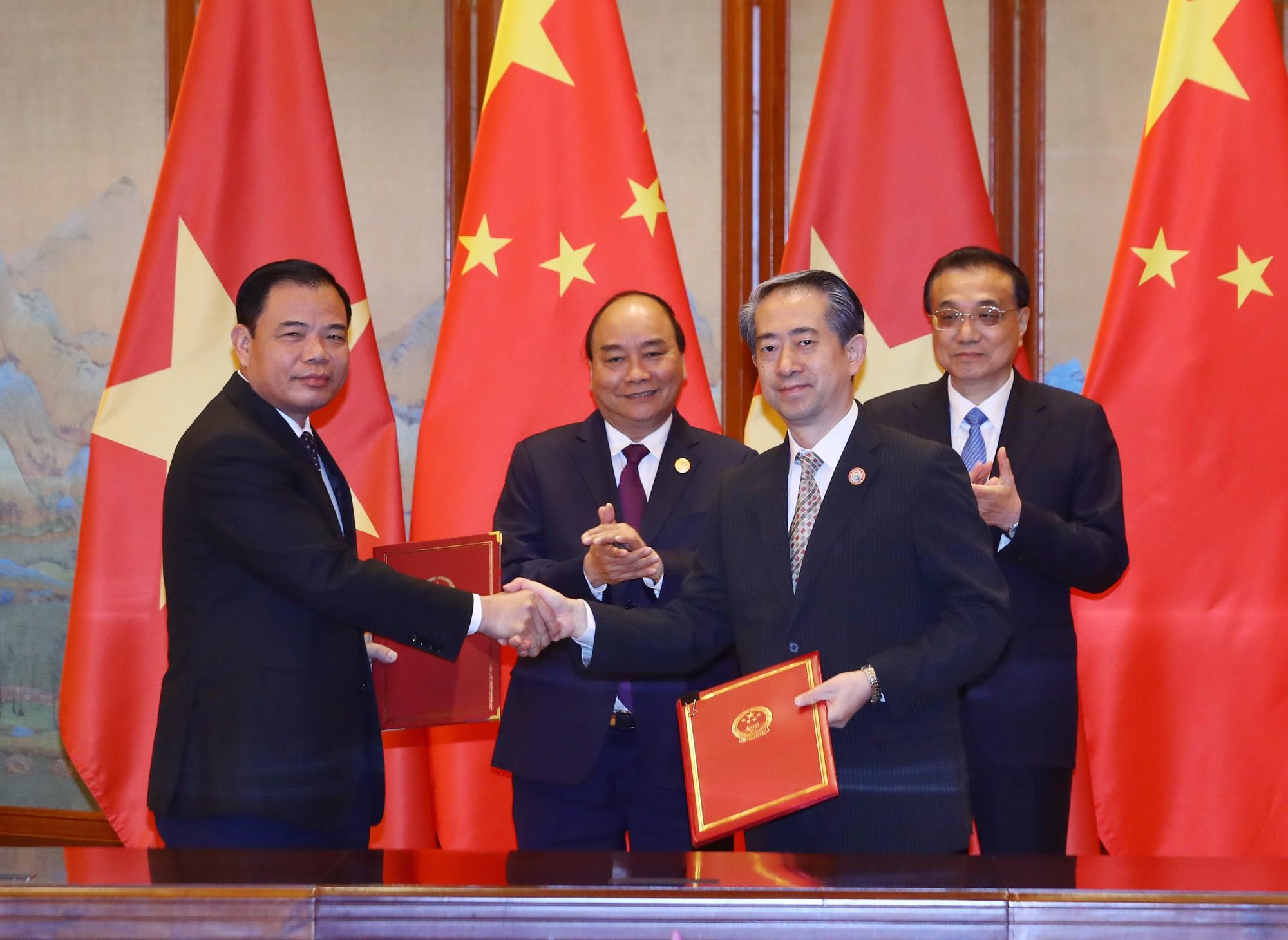 Sữa Việt Nam chính thức được xuất khẩu sang Trung Quốc - Ảnh 1.