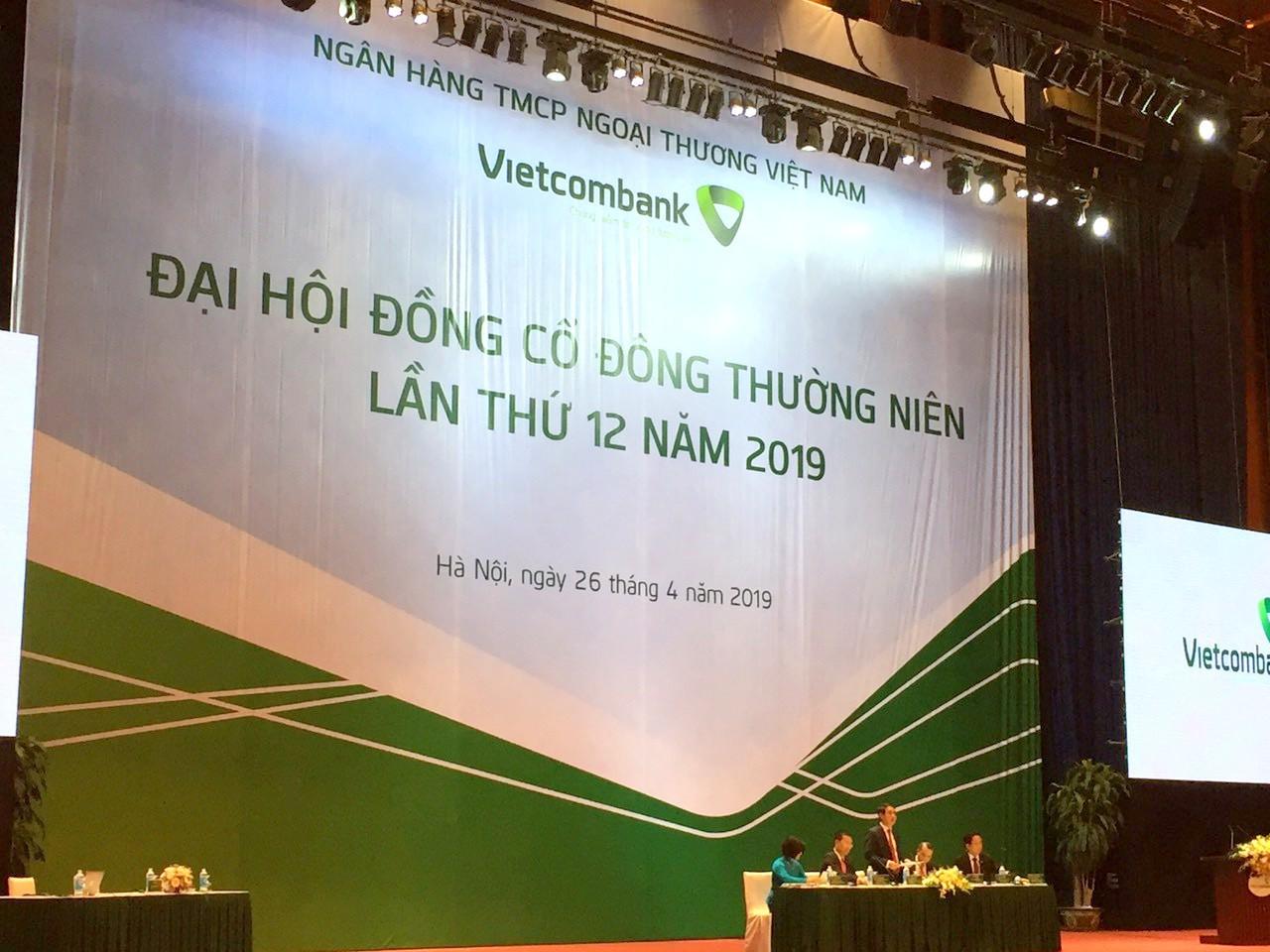 ĐHĐCĐ Vietcombank: Điều chỉnh lãi trước thuế 2019 về 20.000 tỉ đồng, kế hoạch tăng vốn lên gần 55.300 tỉ đến năm 2020 - Ảnh 1.