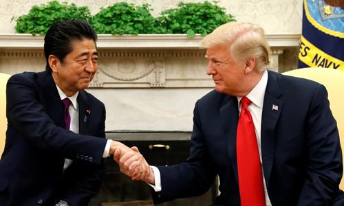 Ép Thủ tướng Nhật Bản tăng sản lượng ô tô tại Mỹ, Tổng thống Donald Trump báo công với cử tri - Ảnh 1.