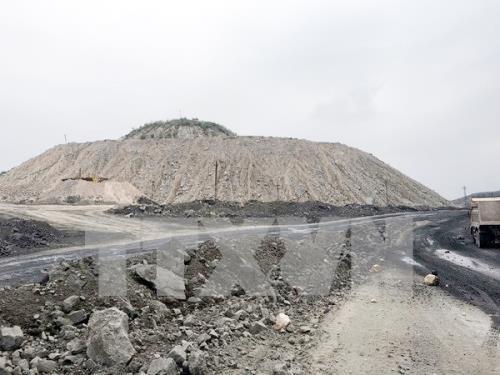 Quản lý bãi thải mỏ: Bài 1 - Nguy cơ ô nhiễm môi trường - Ảnh 1.