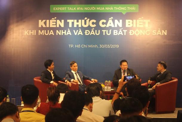 Tin tức Bất động sản ngày 3/4: Chuyên gia bày cách mua nhà với 300 triệu tiết kiệm, lương dưới 20 triệu/tháng... - Ảnh 1.