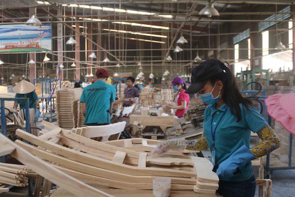 Xuất khẩu gỗ tăng đột biến: mừng ít, lo nhiều - Ảnh 1.