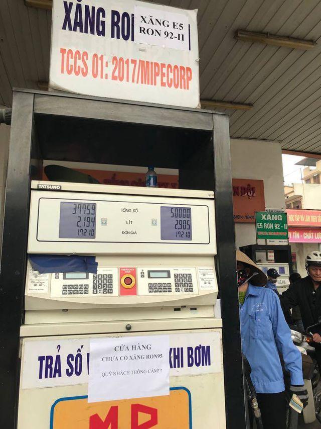 Các doanh nghiệp ngừng bán xăng sẽ bị xử phạt và rút giấy phép kinh doanh - Ảnh 1.