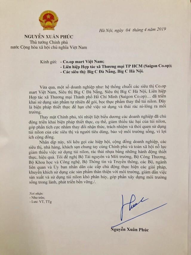 Thủ tướng Nguyễn Xuân Phúc biểu dương, kêu gọi nhân rộng giải pháp dùng lá chuối gói thực phẩm - Ảnh 1.