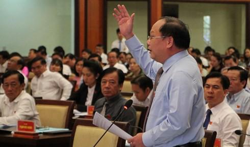 Tin tức Thời sự ngày 8/4: Kết quả bầu Chủ tịch HĐND TP HCM, ông Tất Thành Cang nói về chi thu nhập tăng thêm - Ảnh 1.