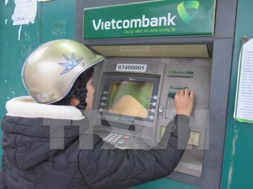 Nhiều ngân hàng thương mại bị lỗi hệ thống - Ảnh 1.