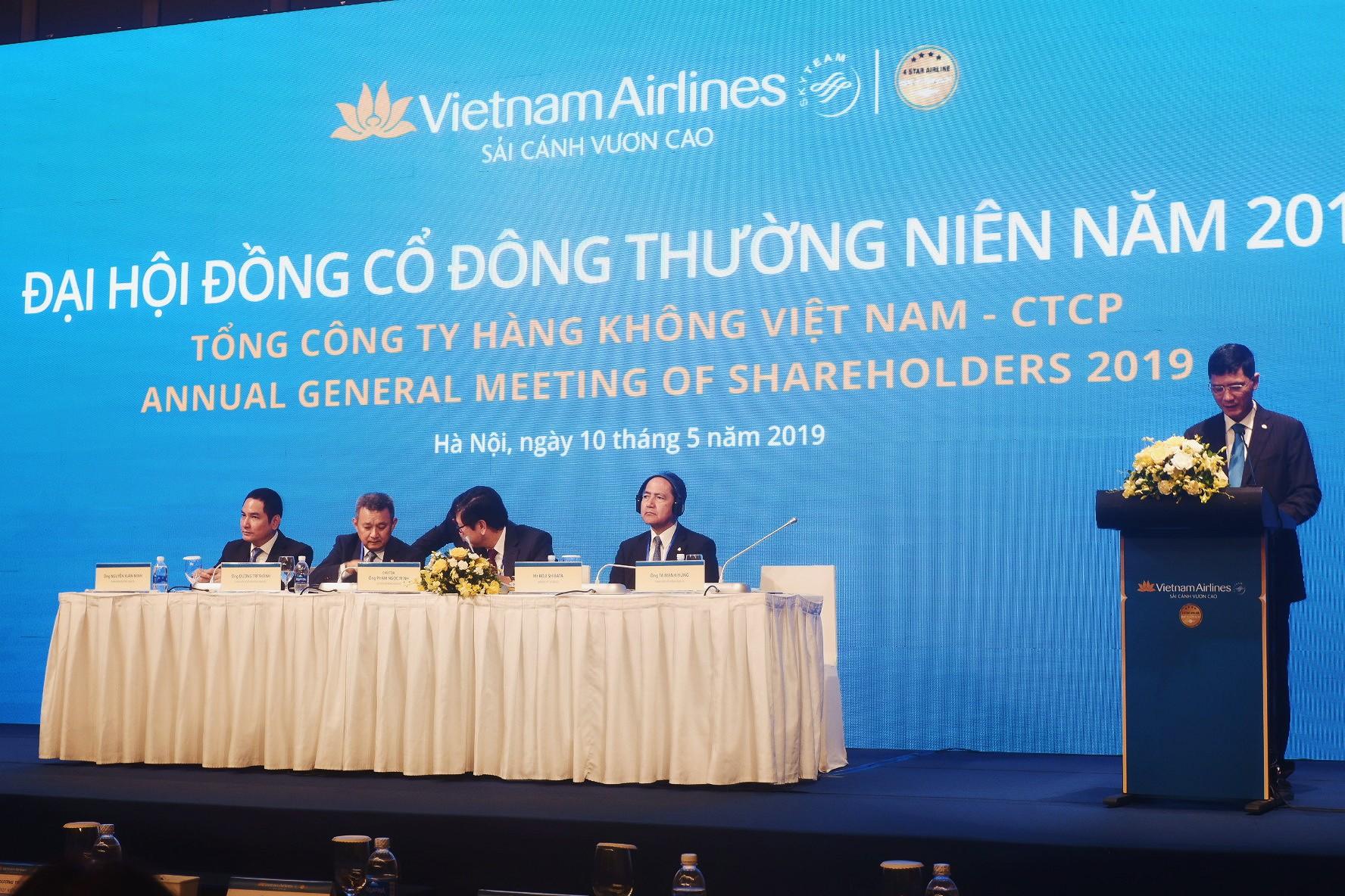 ĐHCĐ Vietnam Airlines: Các quí cuối năm nhiều khó khăn, cố gắng giảm lỗ - Ảnh 1.