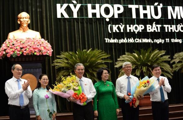 Ông Võ Văn Hoan và ông Ngô Minh Châu làm phó chủ tịch UBND TP HCM - Ảnh 1.