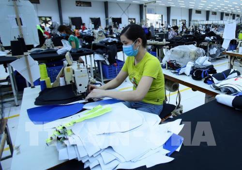 Cảnh giác hàng Trung Quốc tìm cách khoác áo hàng Việt né thuế xuất sang Mỹ - Ảnh 1.