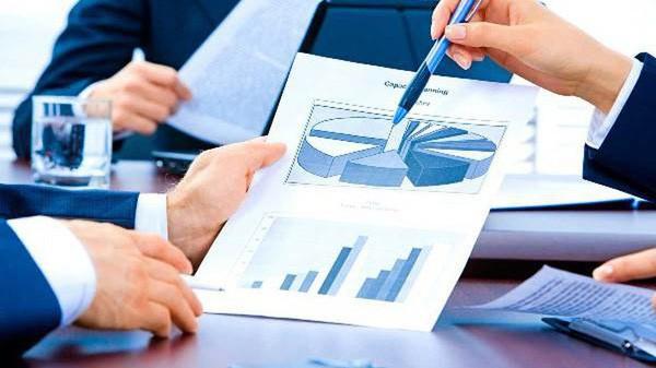 Doanh nghiệp bảo hiểm đầu tư vào nền kinh tế 328,7 nghìn tỷ trong 4 tháng - Ảnh 1.