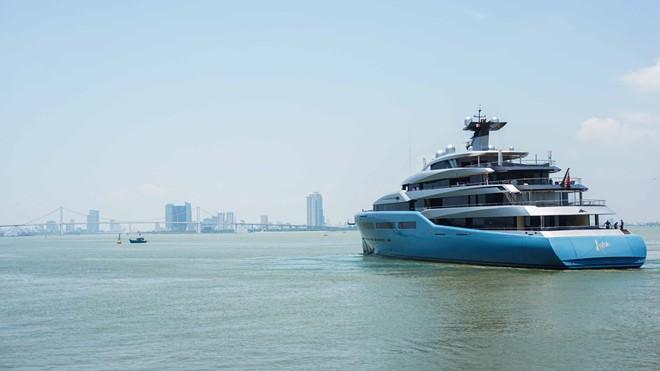 Tin tức Thời sự 13/5: Siêu du thuyền của tỉ phú Anh đến Đà Nẵng; Nhật Cường Mobile mở cửa trở lại; Trung Quốc tăng thuế với 60 tỉ USD hàng Mỹ - Ảnh 1.