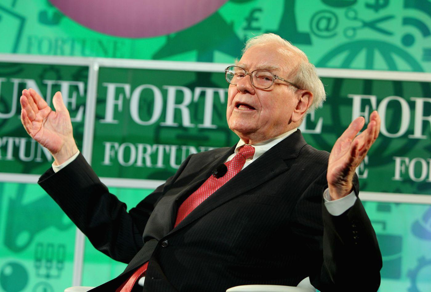 Để đưa ra quyết định khó khăn, tỉ phú Warren Buffett áp dụng một cách đơn giản - Ảnh 1.