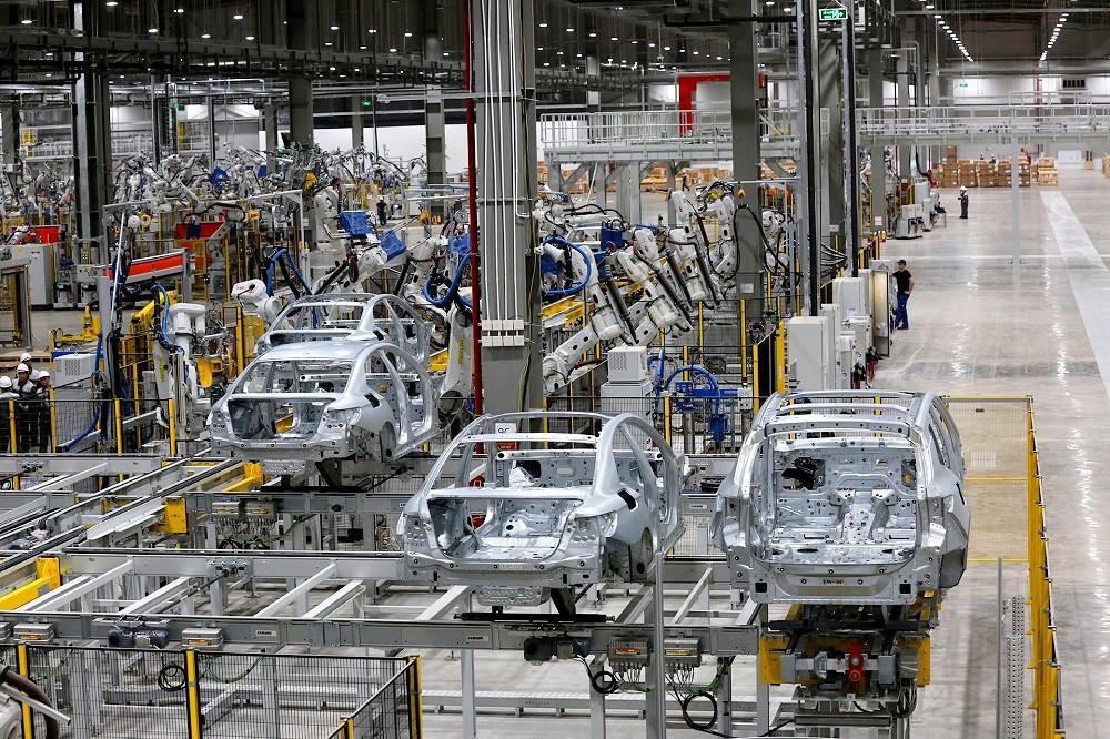 [Ảnh] Cận cảnh nhà máy sản xuất ô tô VinFast 1 tháng trước ngày khai trương - Ảnh 15.