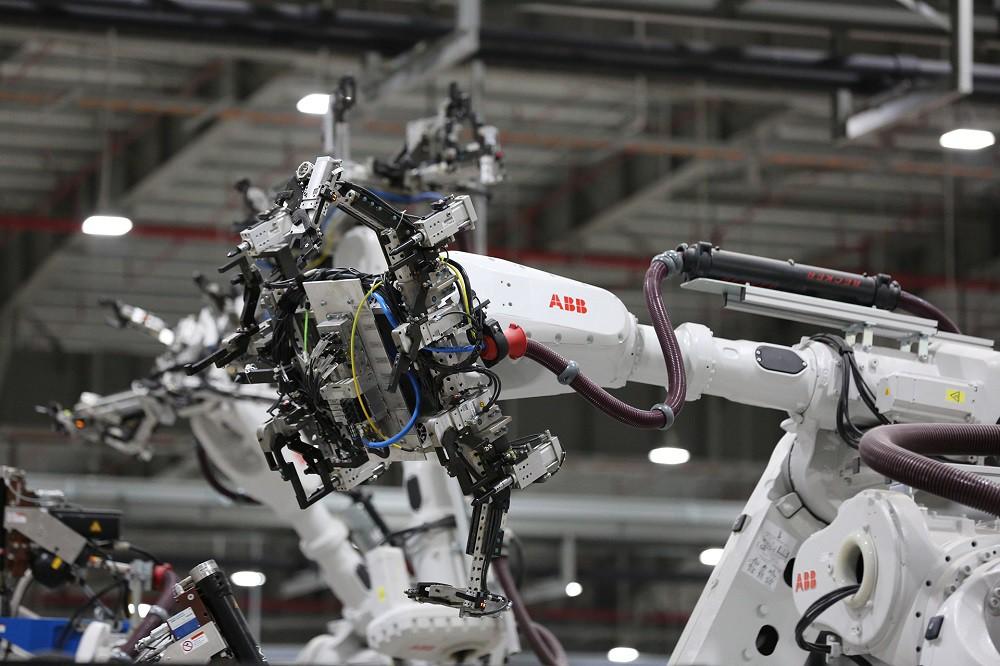 [Ảnh] Cận cảnh nhà máy sản xuất ô tô VinFast 1 tháng trước ngày khai trương - Ảnh 21.