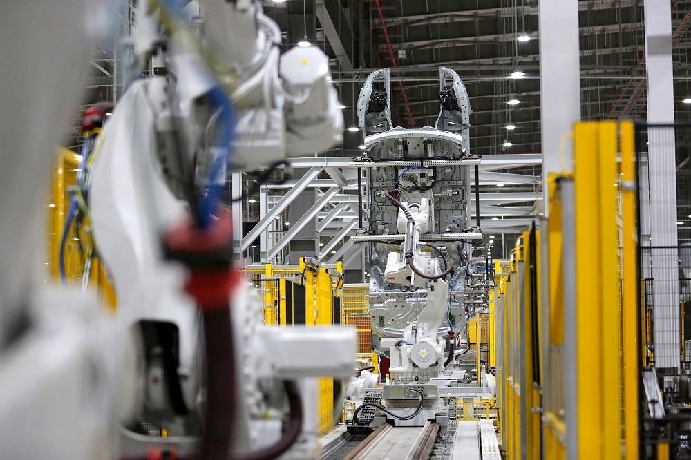 [Ảnh] Cận cảnh nhà máy sản xuất ô tô VinFast 1 tháng trước ngày khai trương - Ảnh 16.
