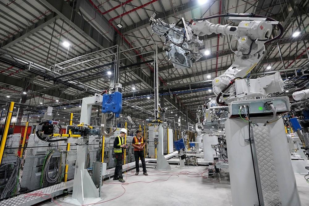 [Ảnh] Cận cảnh nhà máy sản xuất ô tô VinFast 1 tháng trước ngày khai trương - Ảnh 22.