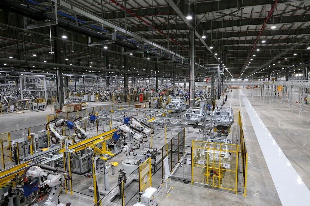 [Ảnh] Cận cảnh nhà máy sản xuất ô tô VinFast 1 tháng trước ngày khai trương - Ảnh 14.