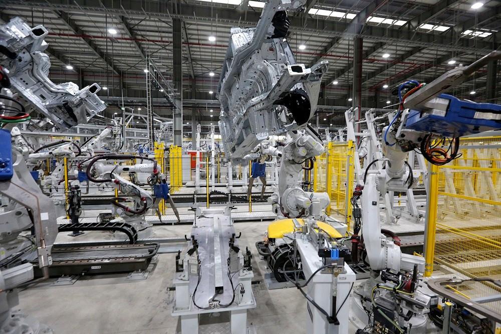 [Ảnh] Cận cảnh nhà máy sản xuất ô tô VinFast 1 tháng trước ngày khai trương - Ảnh 17.