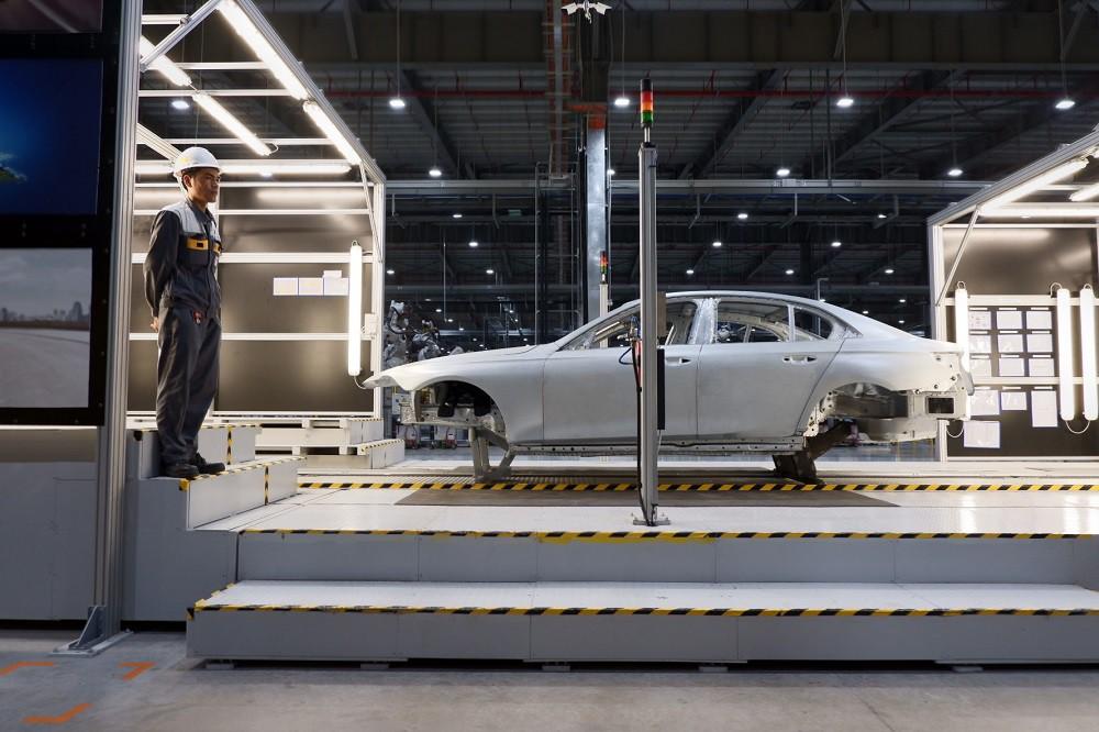 [Ảnh] Cận cảnh nhà máy sản xuất ô tô VinFast 1 tháng trước ngày khai trương - Ảnh 6.