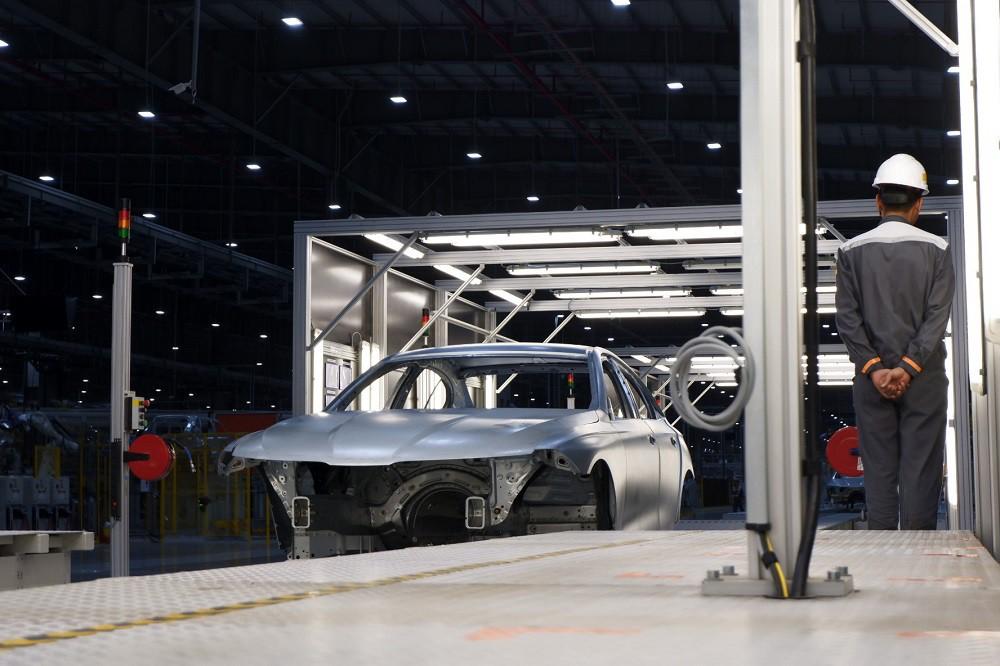 [Ảnh] Cận cảnh nhà máy sản xuất ô tô VinFast 1 tháng trước ngày khai trương - Ảnh 7.