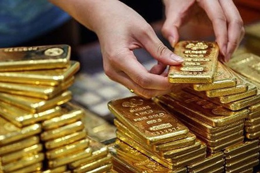 Dự báo giá vàng SJC ngày 16/5: Theo kịp thế giới, lấy lại xu hướng tăng? - Ảnh 1.