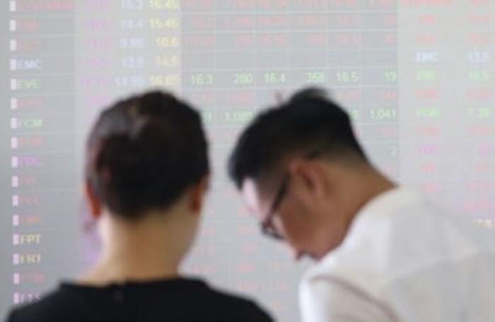 Chuyên gia kê đơn 'liều thuốc' trị tin đồn thất thiệt trên thị trường chứng khoán - Ảnh 2.