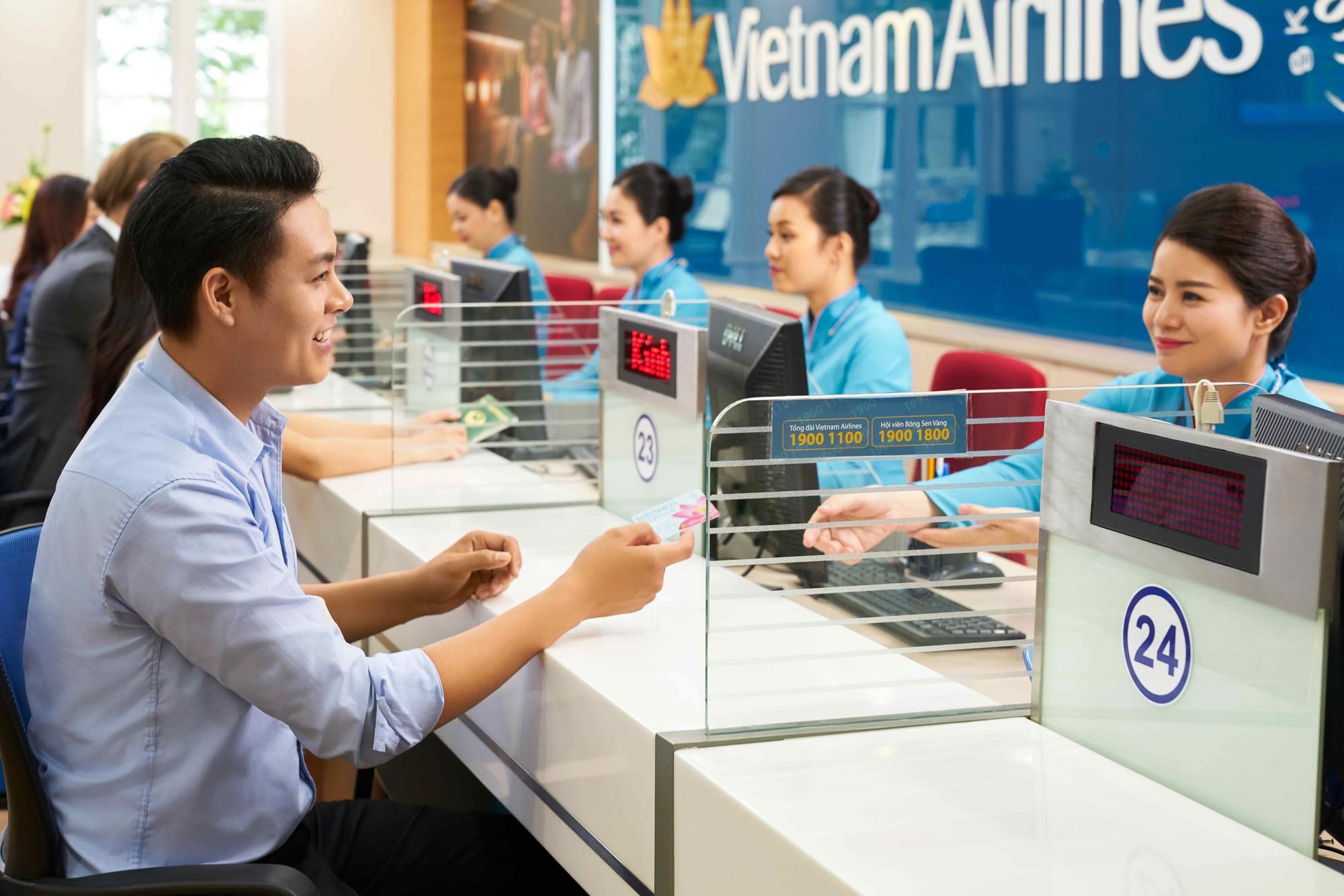 Vietnam Airlines giảm 50% giá vé đi Đông Nam Á cho khách không hành lí - Ảnh 1.