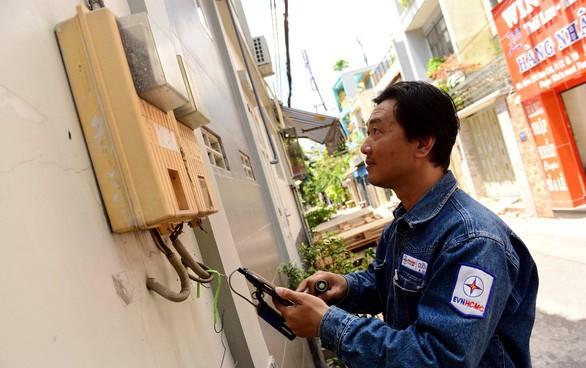 Cử tri TP.HCM đề nghị bỏ giá điện bậc thang - Ảnh 2.