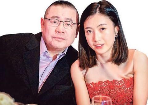 Lưu Minh Vỹ - con trai tỷ phú USD vẫn đi tàu điện ngầm - Ảnh 3.