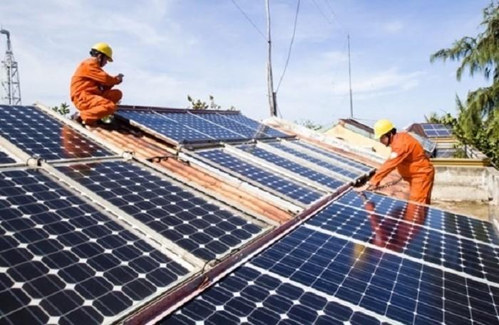 Quảng Bình tập trung phát triển điện mặt trời trên mái nhà, kế hoạch 1.000 kWp điện lượng năm 2019 - Ảnh 1.