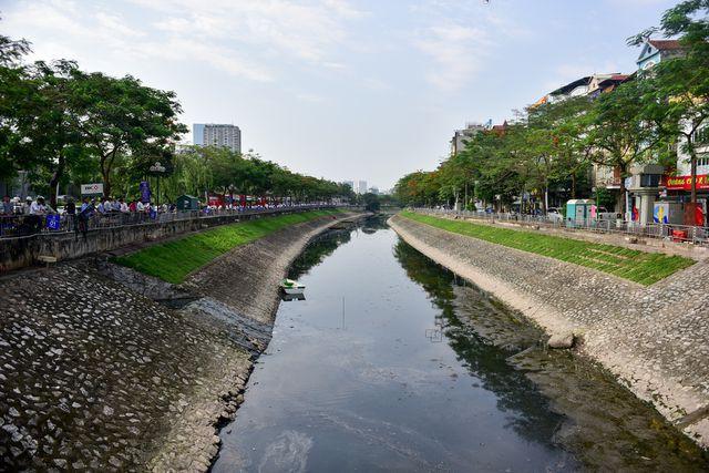 Có thể hồi sinh sông Tô Lịch bất chấp hàng trăm nghìn m3 nước thải đổ vào mỗi ngày? - Ảnh 5.