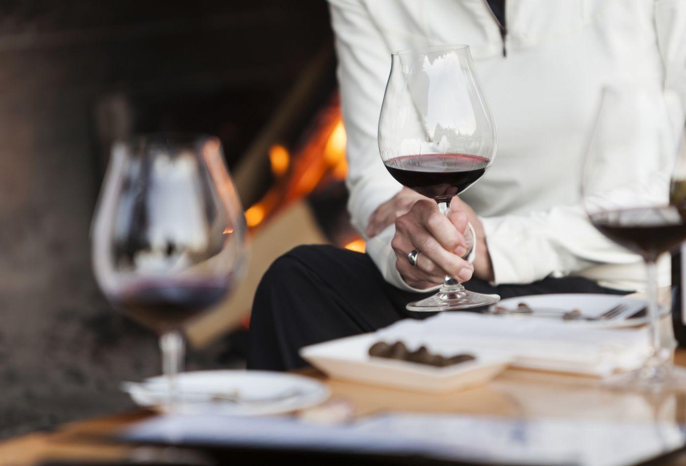 Mang nhầm cho khách chai rượu hơn 133 triệu đồng, nhà hàng biến đau thương thành thắng lợi truyền thông - Ảnh 3.