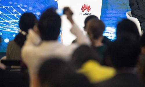Các hãng công nghệ Mỹ có thể mất 11 tỷ USD vì Trump cấm cửa Huawei - Ảnh 1.